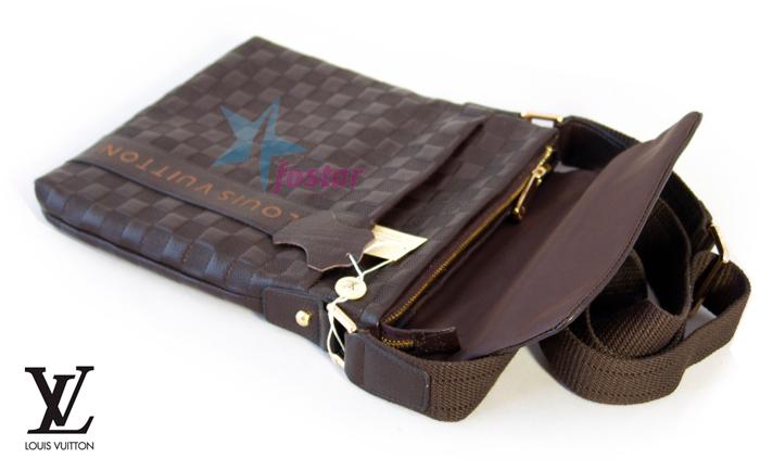 1747d99832a4 Молодежная кожаная сумка-планшет Louis Vuitton мужская сумка - fostar.ru