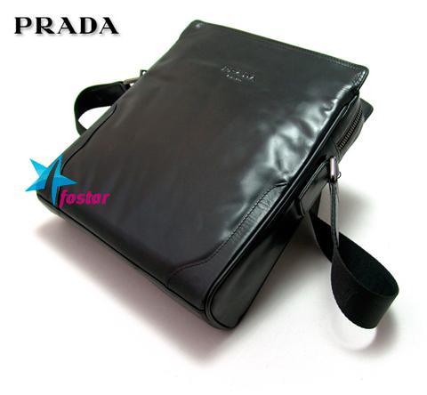 сумку на плечо от Prada
